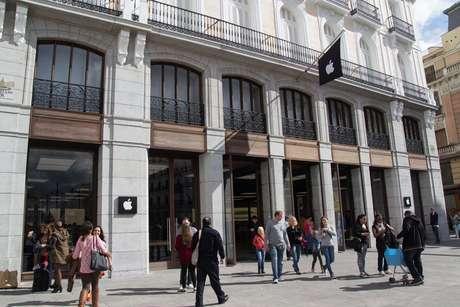 Fachada de la Apple Store de Madrid en la Puerta del Sol