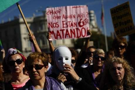 Mujeres se manifiestan en Madrid contra la violencia de género