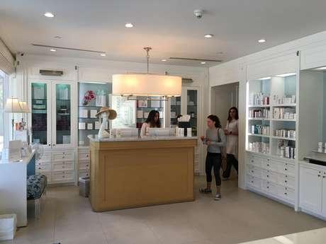 Clientes en la clínica de la Dr. Alicia Barba en Miami