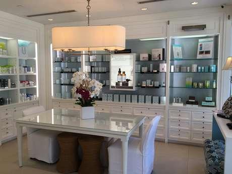 Vista interna de la clínica de la Dr. Alicia Barba en Miami.