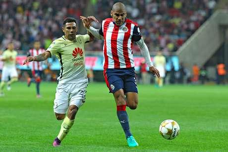 Chivas y América se enfrentan en el Clásico Número 52 en torneos cortos