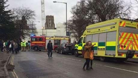 Alunos, professores e funcionários tiveram que sair do prédio por causa de incidente