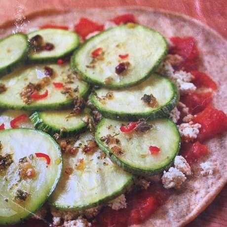 Receita de Pizza integral vegana. Enviada por Marcia Cullen e demora apenas 30 minutos.