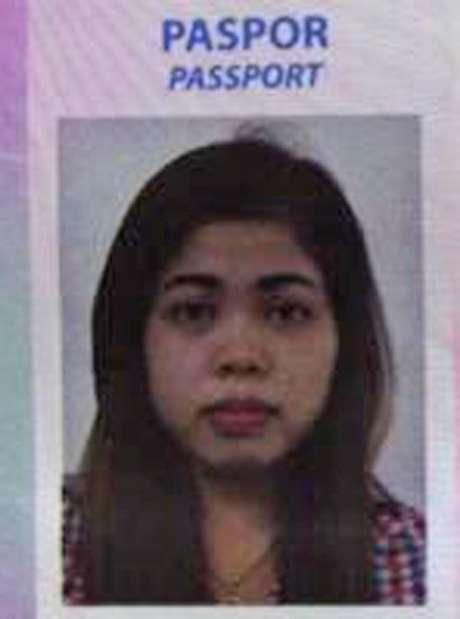 Esta imagen obtenida del sitio web indonesio Kumparan el 16 de febrero de 2017 muestra la foto de pasaporte de Siti Aisyah, indonesia de 25 años, sospechosa de participación en la muuerte del hermano del líder norcoreano en el aeropuerto de Kuala Lumpur, Malasia, el 13 de febrero.