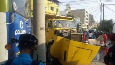 """Accidente deja 10 heridos [FOTOS — Miraflores"""""""