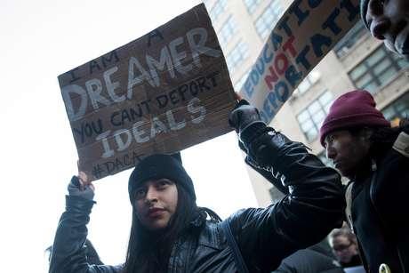 No 'Dia sem Imigrantes', milhares de estabelecimentos comerciais nos EUA ficaram fechados e multidões foram às ruas protestar contra as medidas adotadas por Donald Trump