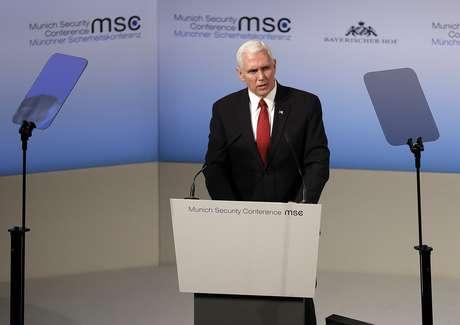 Pence: EE.UU. seguirá haciendo que Rusia asuma sus responsabilidades