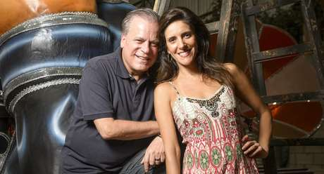 Chico Pinheiro e Monalisa Perrone têm entrosamento impecável na transmissão dos desfiles de São Paulo