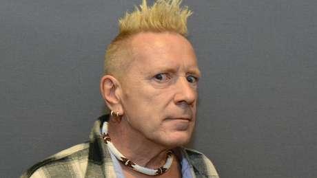O ex-vocalista da banda Sex Pistols e ícone do punk rock Johnny Rotten foi um dos primeiros entrevistados de Suroosh Alvi
