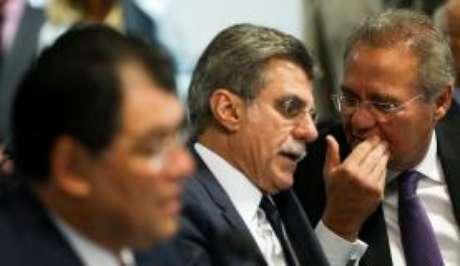 Brasília - O senador Romero Jucá (centro) diz que restrição ao foro privilegiado deve valer para todos os Poderes
