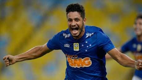 Thiago Neves estréia pelo Cruzeiro