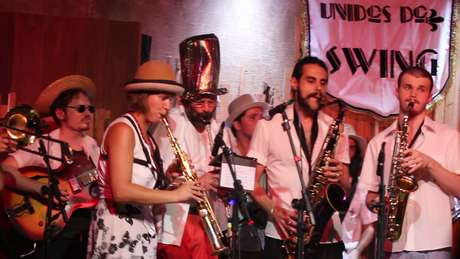 Unidos do Swing no Jazz nos Fundos