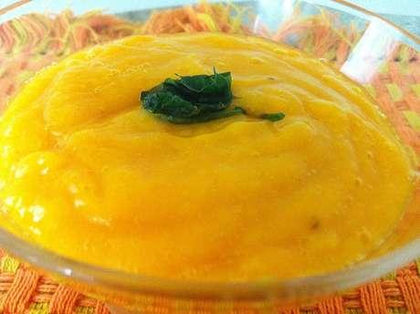 Receita de Bolo de cenoura e laranja sem assar. Enviada por Geração Fit e demora apenas 180 minutos.