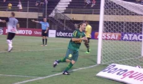 Xuxa comemora o gol da vitória do Mirassol (FOTO: Divulgação)