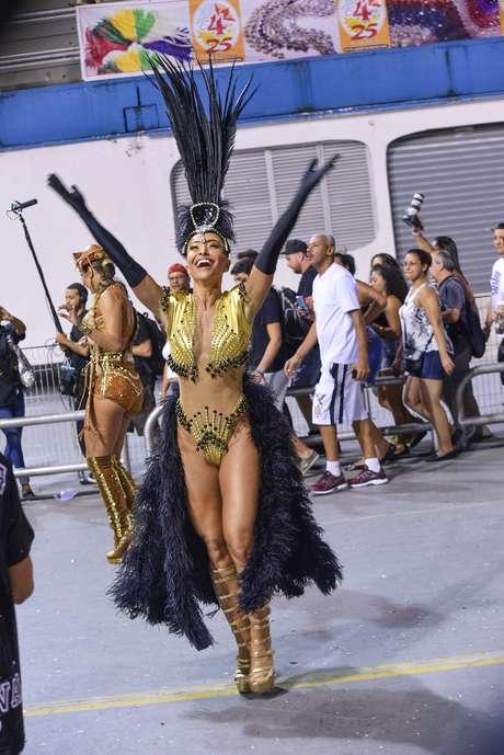 Sabrina Sato usa look Walério Araújo para ensaio da Gaviões da Fiel deste ano