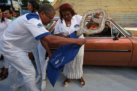 Maria Cristina Silva Jesús guarda a chave da cidade do Rio de Janeiro, na abertura oficial do Carnaval