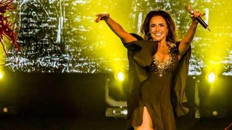 """Para Daniela Mercury, expressão """"axé music"""" abarca diversos tipos de música que podem ser tocadas na festa de rua, desde que tenham suingue"""