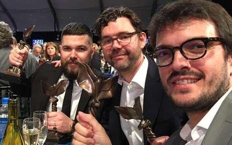 O diretor de 'A Bruxa', Robert Eggers, o produtor Jay Van Hoy e o produtor brasileiro Rodrigo Teixeira