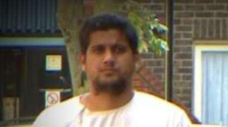 A polícia acredita que Siddhartha Dhar, também connhecido como Abu Rumaysah, é um dos autores dos vídeos que o garoto assistiu