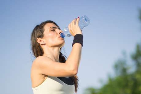 Não esqueça de se hidratar no dias de folia.