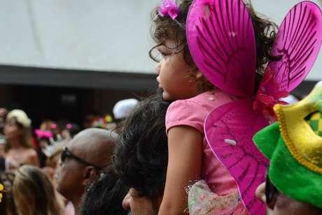 Foliões em bloco do carnaval de rua de São Paulo