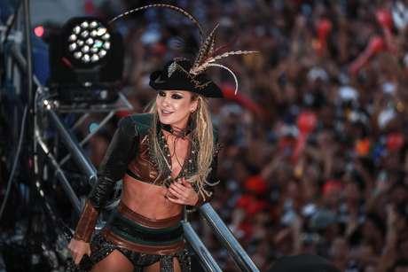 """O filme """"Piratas do Caribe"""", vivido por Jack Sparrow, inspirou fantasia da cantora"""