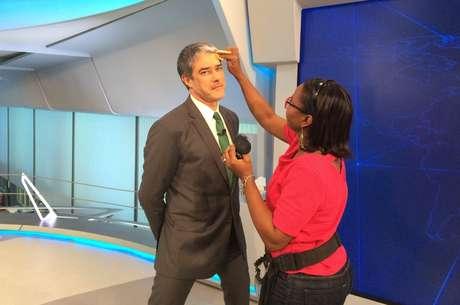 Editor-chefe do 'JN', Bonner chega ao estúdio em cima da hora e a maquiagem é feita ali mesmo