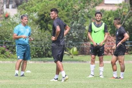 Rinaldo Cruzado tendría su segundo debut con Alianza Lima ante Real Garcilaso.