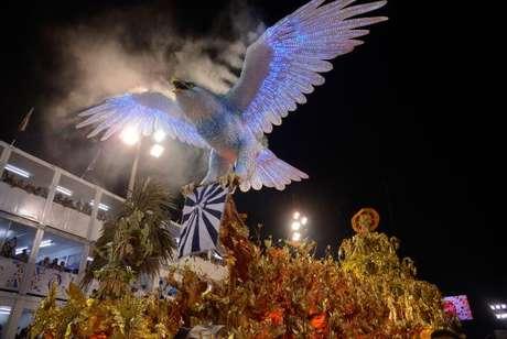 Desfile da Portela, pelo grupo especial, no Sambódromo