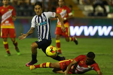 Bengoechea ha experimentado con Hohberg como delantero en Alianza Lima.