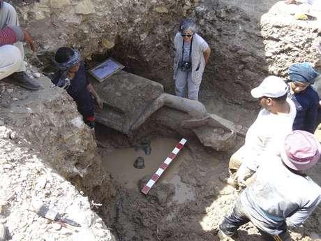 O achado aconteceu na escavação do templo funerário de Amenhotep III, situado na margem ocidental do rio Nilo, perto de Luxor
