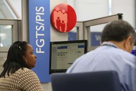 Agências da Caixa abrem no sábado para atendimento exclusivo sobre contas inativas do FGTS -