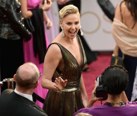 Trailer de 'Atomic Blonde', Charlize Theron también quiere acción