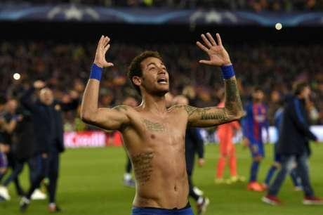Neymar tem vínculo com o Barça até junho de 2021 (Foto: LLUIS GENE / AFP)