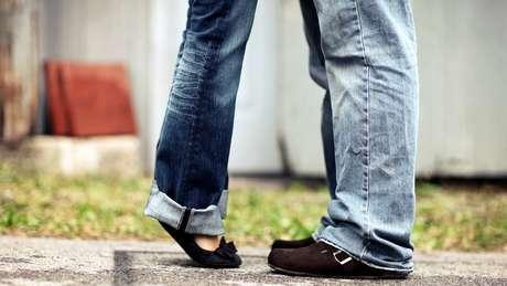 Organizações de apoio a mulheres latinas no Reino Unido veem figura de 'namorado estrangeiro' em muitos casos de tráfico