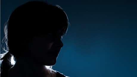 Segundo organizações que apoiam mulheres que foram vítimas do tráfico, muitas sobreviventes não querem denunciar seus casos por medo de represálias