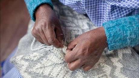 Os suéteres de lã de alpaca vendidos pela empresa dos irmãos Gersovich não usam corantes