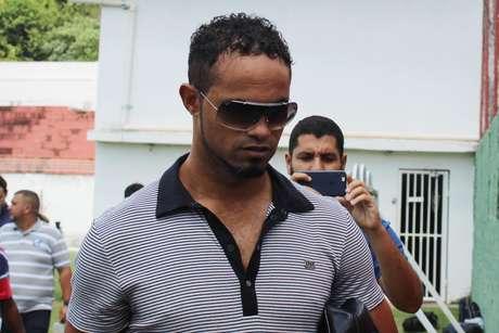 Justiça reduz pena do goleiro Bruno