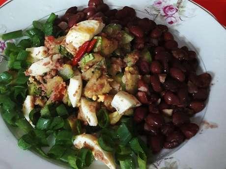 Farofa coringa com feijão vermelho