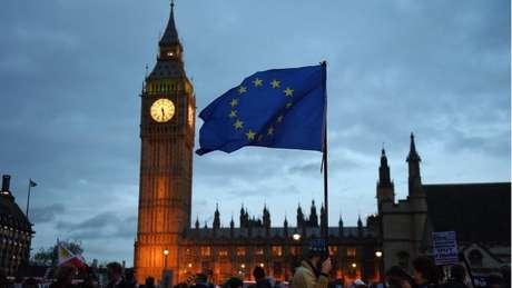 Depois que o Reino Unido acionar o Artigo 50, será dada a largada de dois anos para o fim das negociações e a completa retirada do país da UE