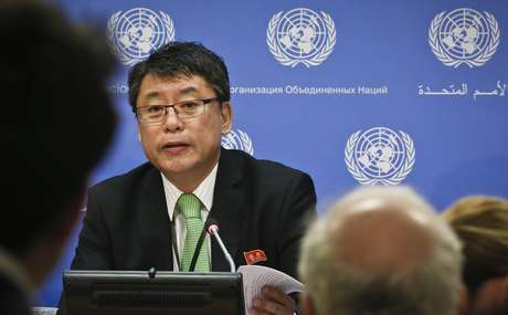 El viceembajador de Corea del Norte ante Naciones Unidas, Kim In Ryong, durante una rueda de prensa en la sede de la ONU, el 13 de marzo de 2017.