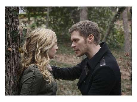 """""""The Vampire Diaries"""" terá continuação? Criadora fala sobre série derivada com história de Caroline e Klaus!"""