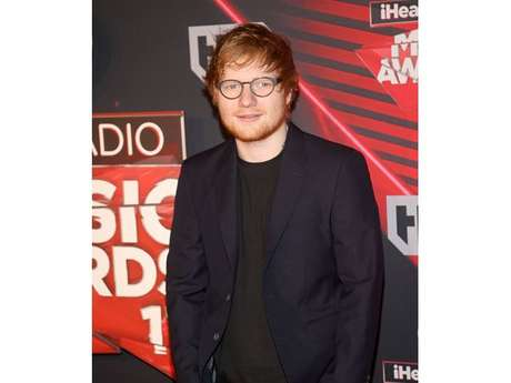 "Ed Sheeran consegue posto de álbum mais vendido no mundo com ""Divide"""