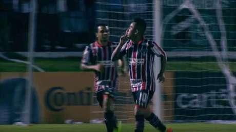 Cueva marcou o gol de empate do Tricolor e confirmou a classificação à próxima fase (Foto: Frame/Premiere)