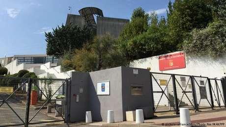 Colégio Alexis de Tocqueville, em Grasse, onde oito pessoas ficaram feridas