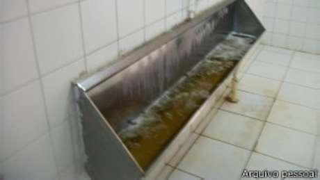 Condições sanitárias em alojamento em Angola eram precárias, segundo operários