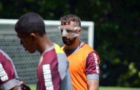 Pratto jogará de máscara neste sábado (Foto: Érico Leonan/saopaulofc.net)
