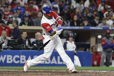 Puerto Rico se enfrenta a Estados Unidos en el Clásico Mundial de Béisbol