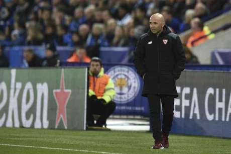 Sampoli admitiu frustração no vestiário do Sevilla (Foto: Oli Scarff / AFP)