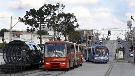O sistema BRT (Bus Rapid Transit) de Curitiba foi adotado em diversas cidades do mundo